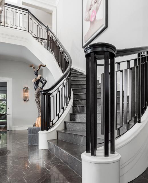 12 gewendelte Treppen