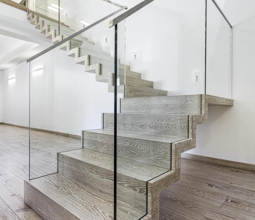 Faltwerktreppe zweiläufig mit Glasgeländer