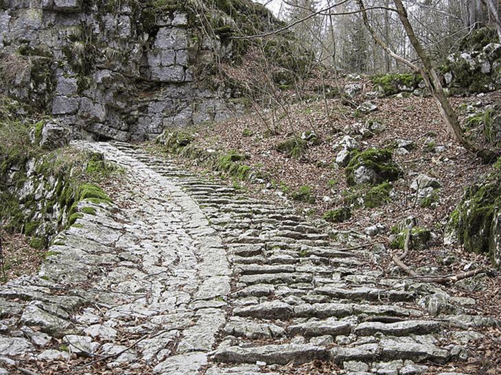 Größte Treppe Europas mit 4444 Stufen und 7 km länge