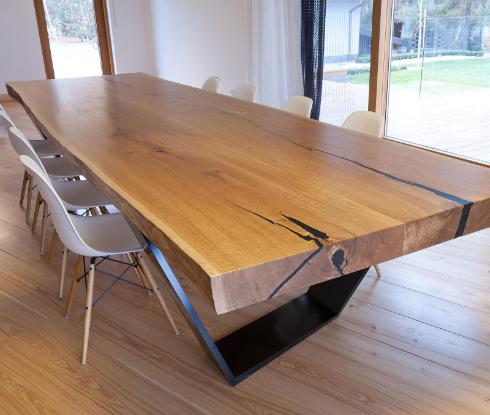 Inneneinrichtung Tisch
