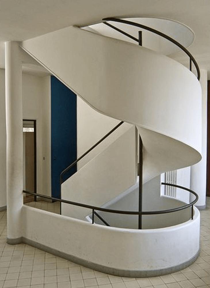 Mitteltreppe aus Stahlbeton von Le Corbusier (Frankreich)