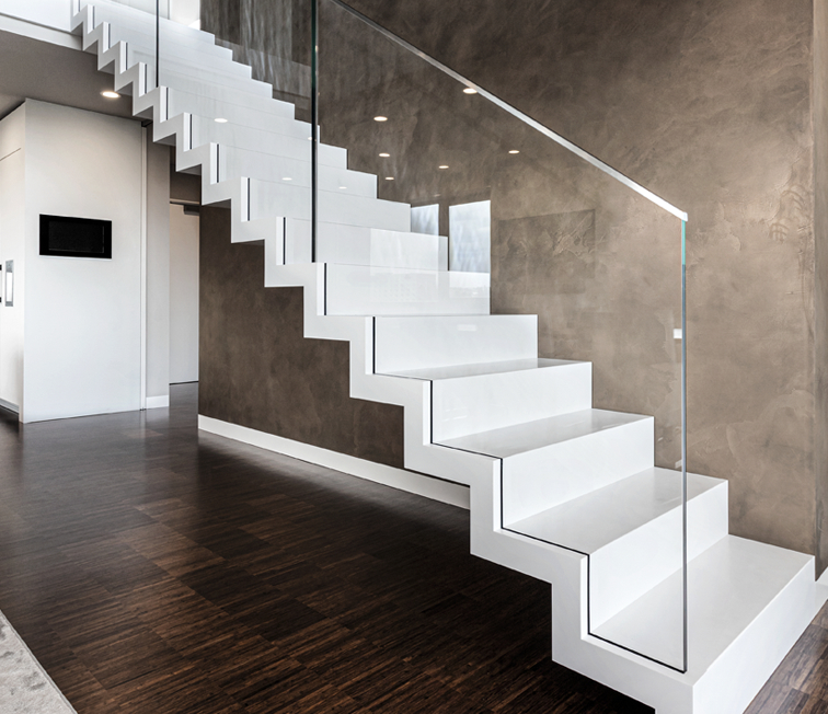 Moderne Treppe weiss