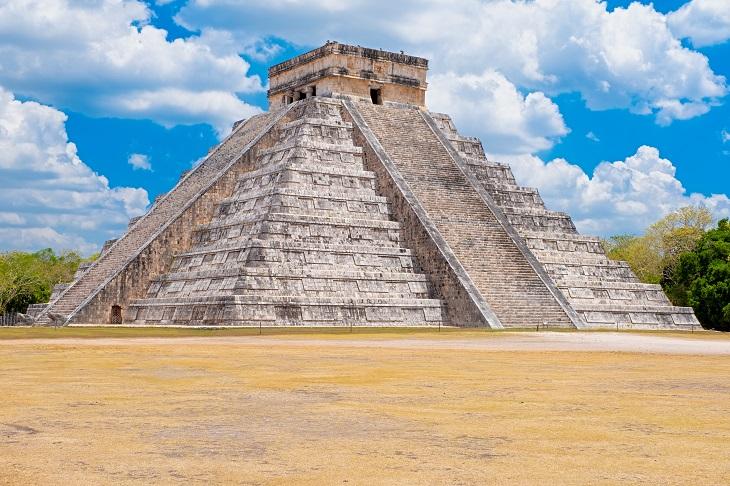 Pyramide des Kukulcan mit 365 Stufen