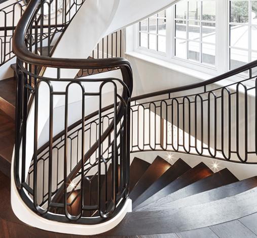 Treppengeländer einer Wangentreppe