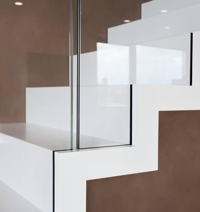 treppe mit glasgeländer dresden